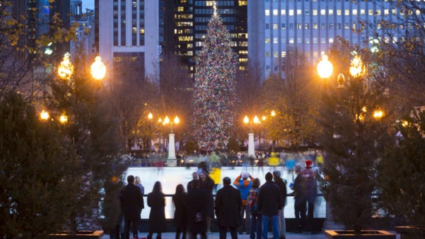 001_20151211_CHRISTMAS_TREE