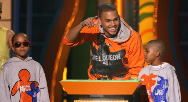 031109 Chris Brown Nickelodeon p1