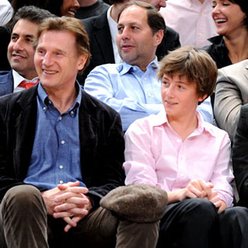 041609 Liam Neeson kids Michael Daniel