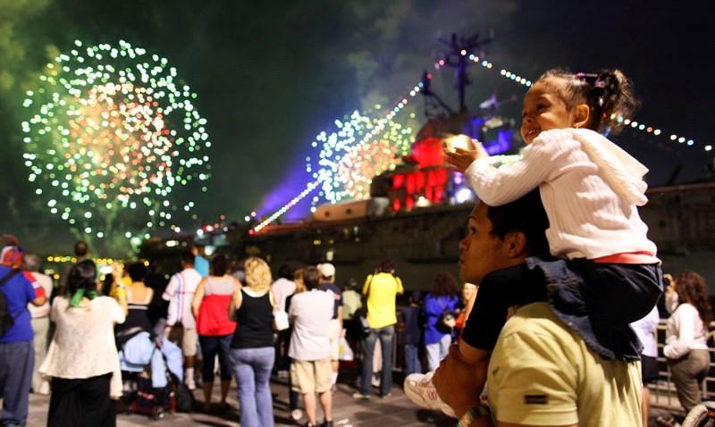 070409 Macy's Fireworks 10