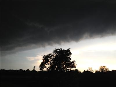 [UGCCHI-CJ-weather]Storm front rolling in Joliet 630am Tuesday July 24