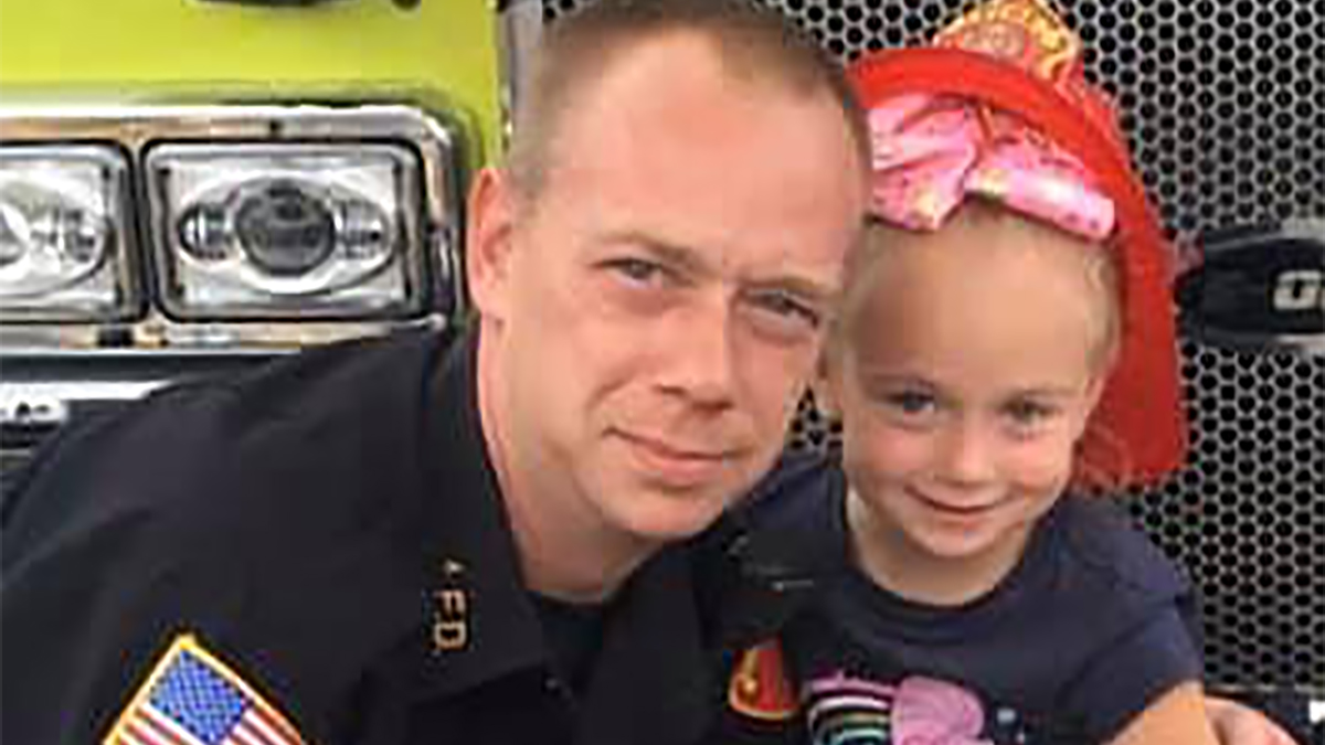 6-Year-Old Daughter of NJ Firefighter Helps Family Escape Blaze at Home –  NBC New York