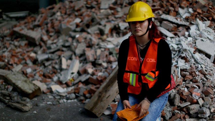 Mexico Earthquake Women