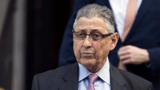 Picture of Sheldon Silver leaving federal court in New York