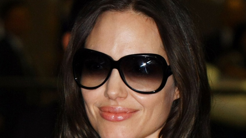 021908 Angelina Jolie Sunglasses