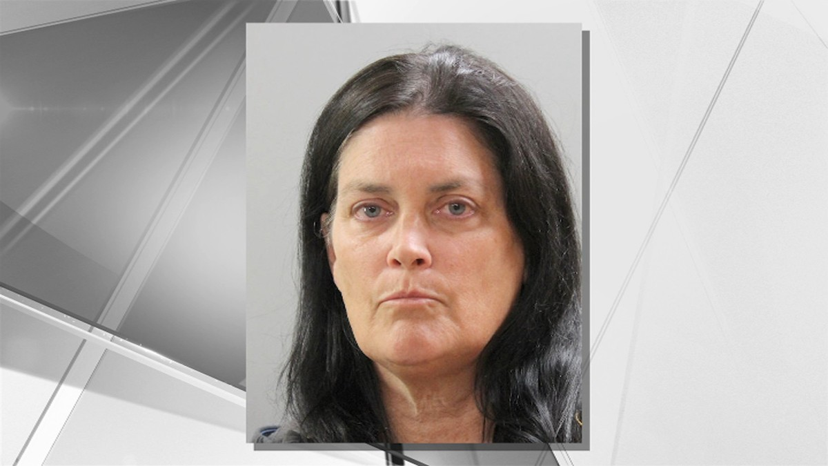 Hocking County OH- Knife Wielding Woman Arrested, Charged