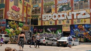 graffiti on 5Pointz building