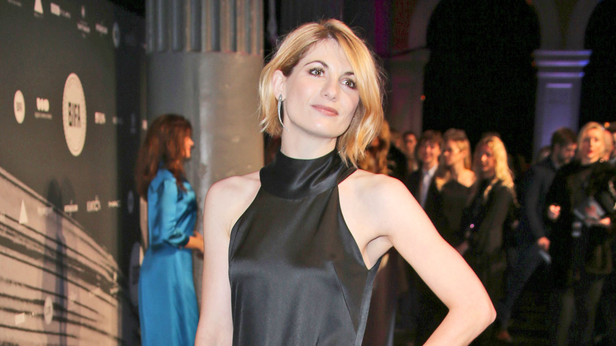 Doctor Who Star Jodie Whittaker Offers An Emergency