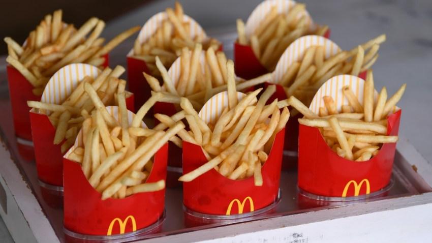 775216079CO00054_McDonald_s