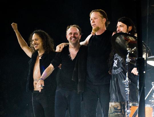 Metallica_at_The_O2_Arena_London_2008 (1)