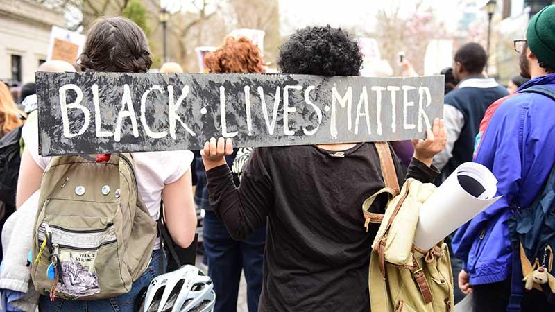 PRINCIPAL-foto-de-black-lives-matter-en-Phoenix