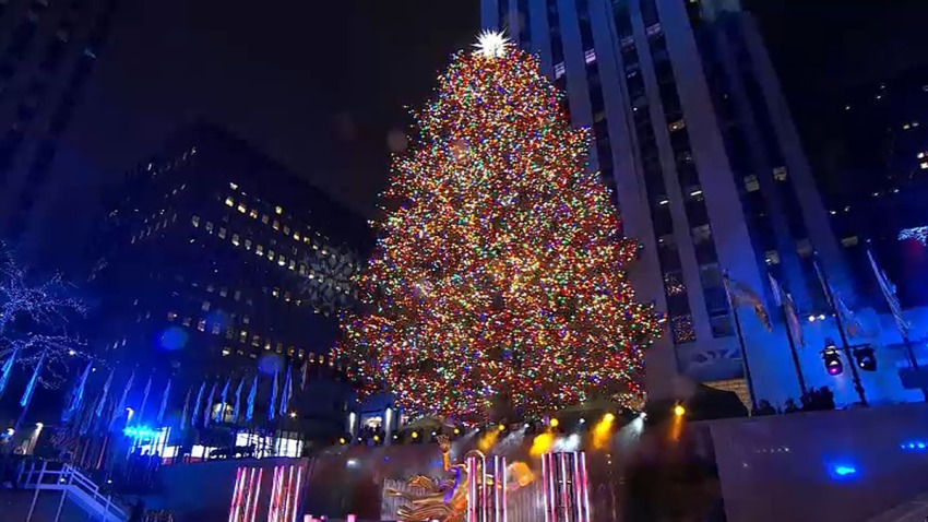 lighting of rockefeller center christmas tree dazzles crowds and ushers in holiday season amid chilly temps nbc new york lighting of rockefeller center christmas tree dazzles crowds and ushers in holiday season amid chilly temps