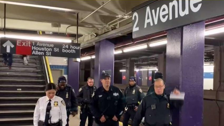 Two_Men_Stabbed_Inside_Lower_Manhattan_Subway_Station