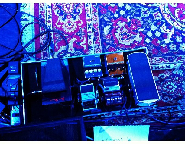 [phillygram] Waiting For Waite #guitar #pedals #southphilly #concert #blue #philly #phillygram #igersphilly #rocknroll #johnwaite #squaready