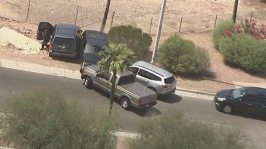 Suspected Bank Robber Killed After Phoenix Area Pursuit Ends In Gunfire On Live Tv Nbc New York