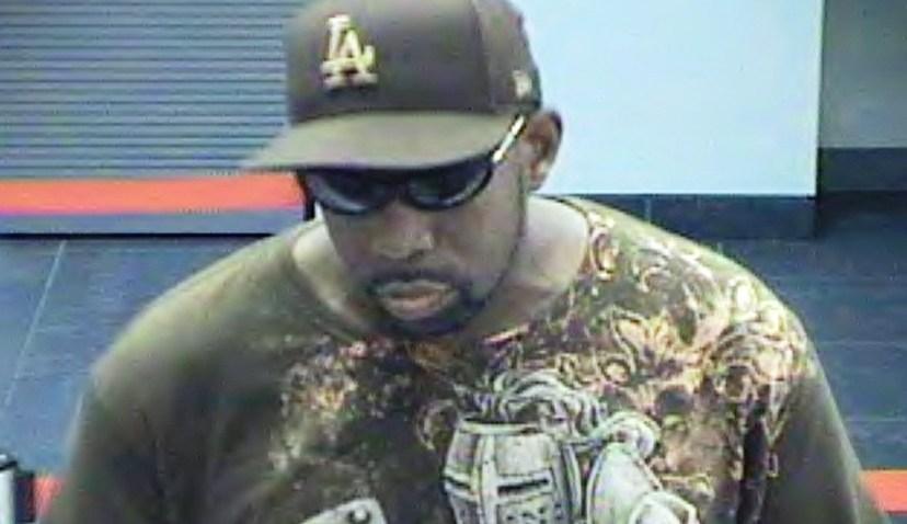 111308 -Brazen NYC bank robber