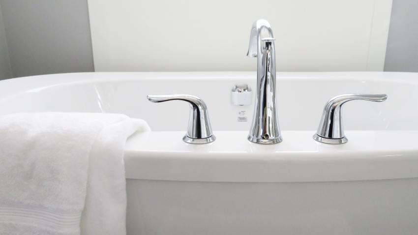 bathroom-bathtub-ceramic-534116