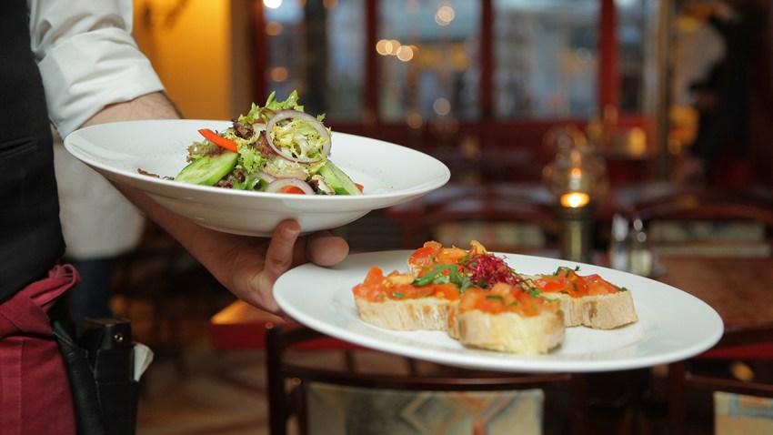 blur-chef-close-up-262978 food waiter resized