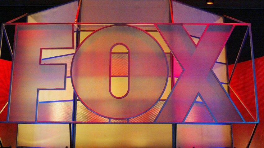 51962215FB001_fox