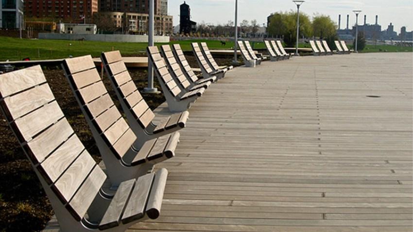 hamptons bench