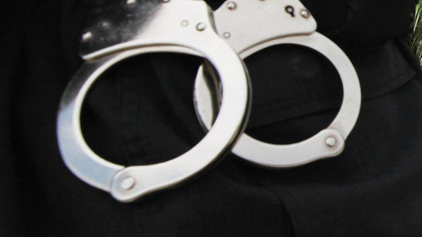 handcuffs-generic-on-black