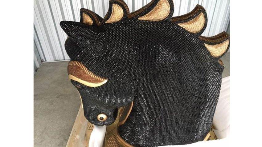 horse_head_1_acef9ac5b113fb1dafe5c7a82df10c21.nbcnews-ux-1000-800