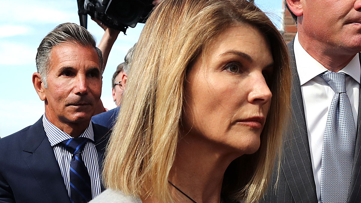 New Filing in College Bribery Case Against Loughlin, Giannulli