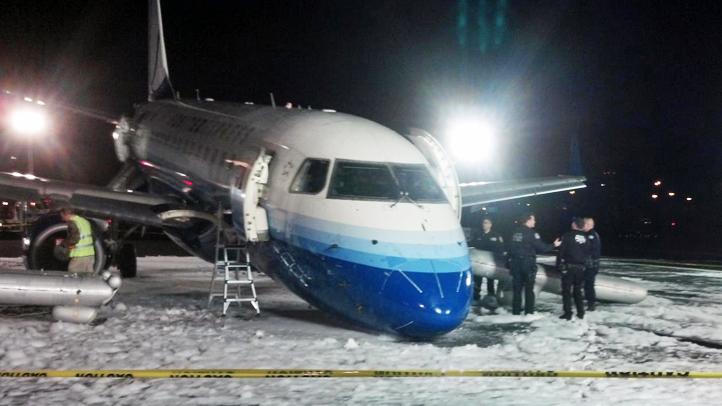 newark emergency landing 22712 2