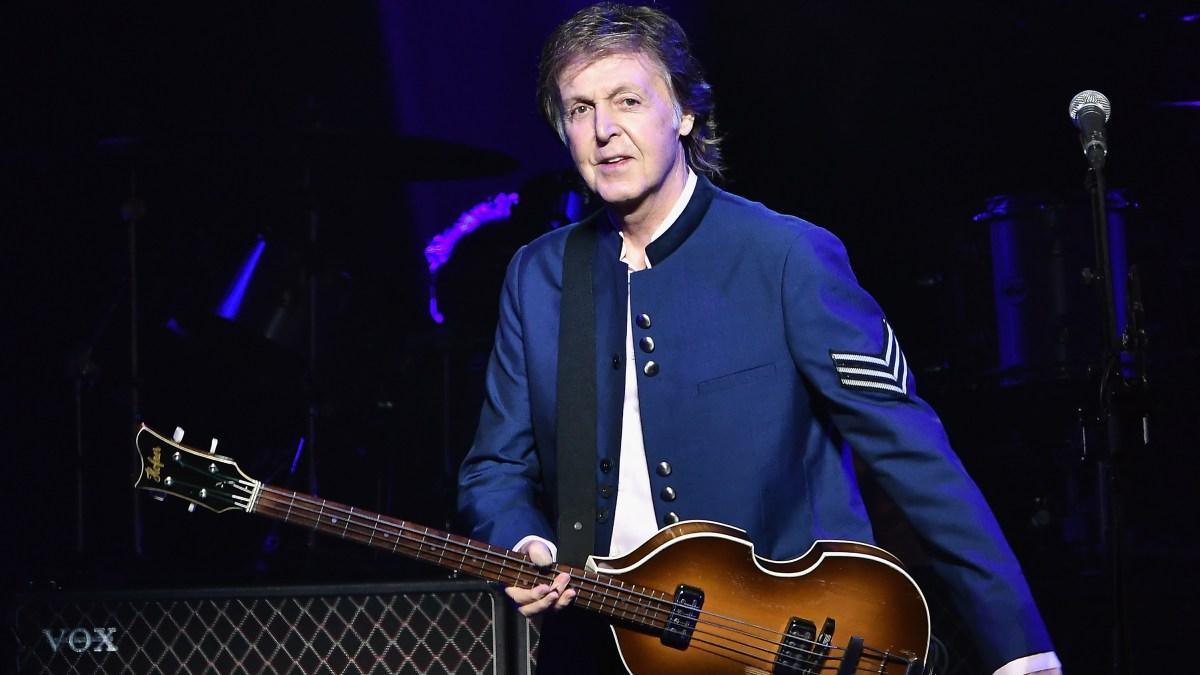 McCartney's Handwritten 'Hey Jude' Lyrics Sell At Auction