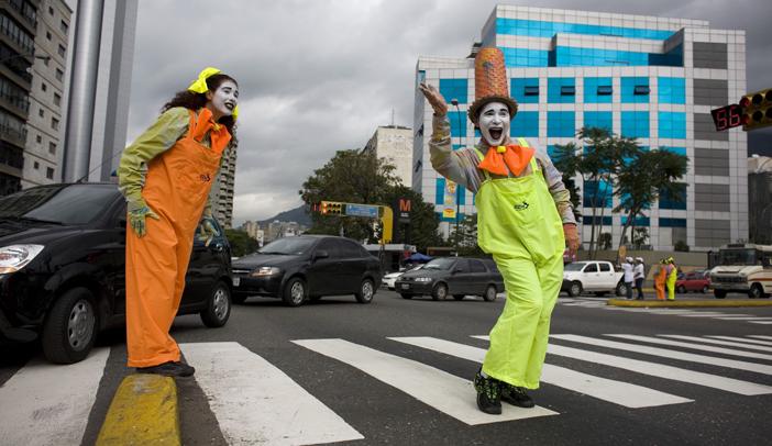 Venezuela Traffic Mimes