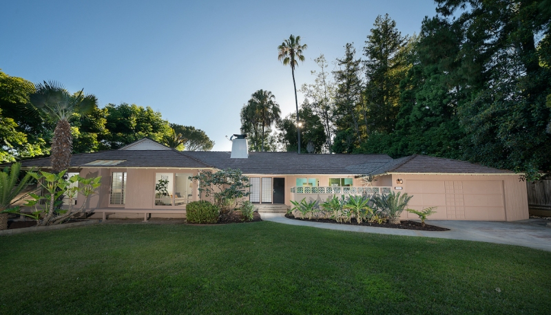 Photos: 'The Golden Girls' House Hits the Market For $3 Million