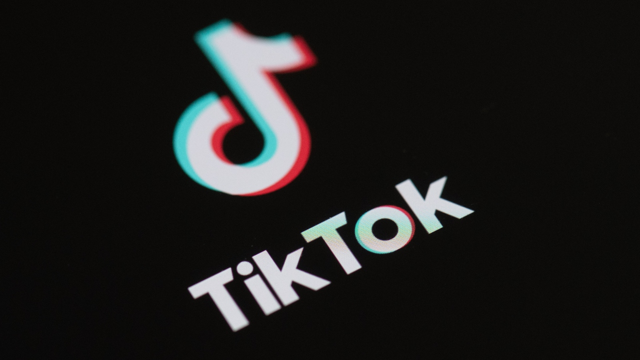 TikTok Owner Picks Oracle Over Microsoft as US Tech Partner