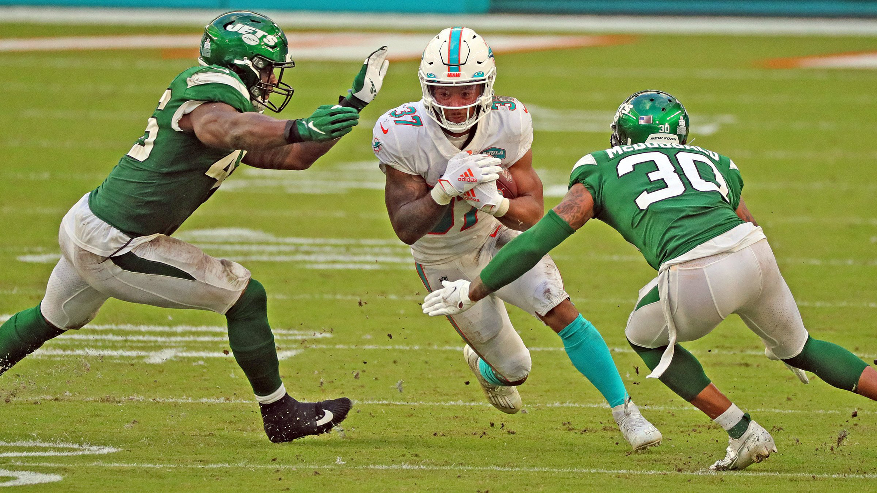 New Low for Gase's Jets — They're Shut Out by Miami, 24-0