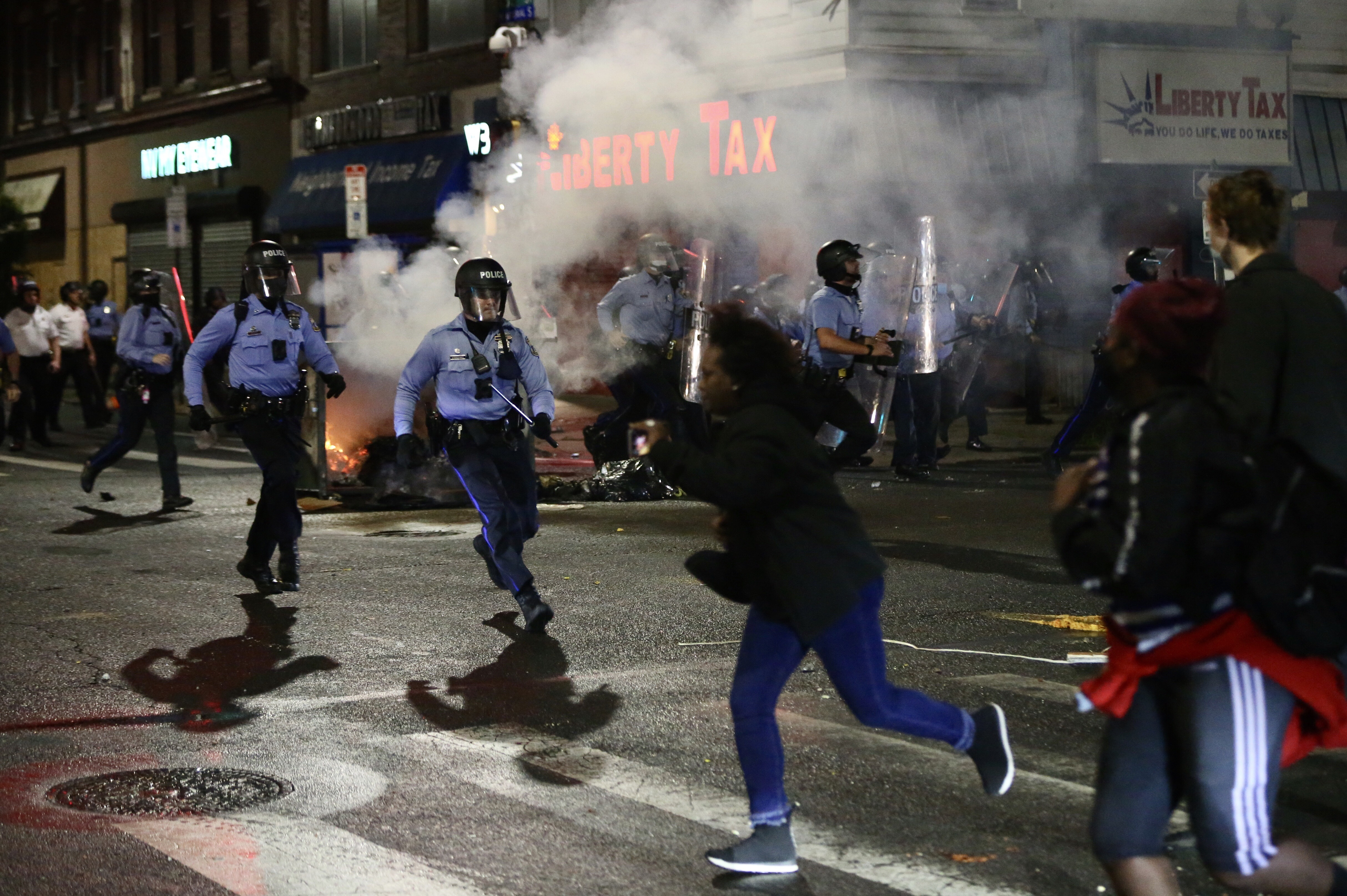Violence Tears Through West Philadelphia, Other Neighborhoods After Police Shoot, Kill Walter Wallace Jr.; 30 Officers Hurt – NBC New York