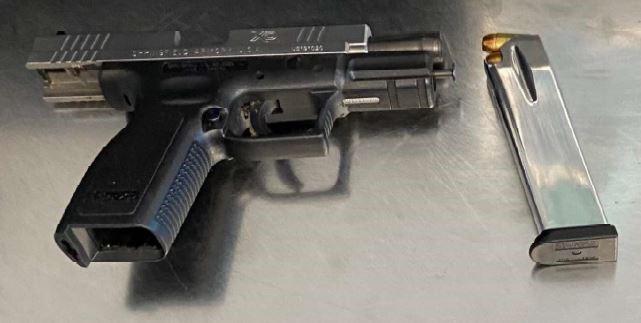 tsa newark gun