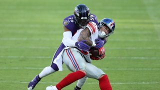 Tight end Evan Engram #88 of the New York Giants catches a pass against strong safety