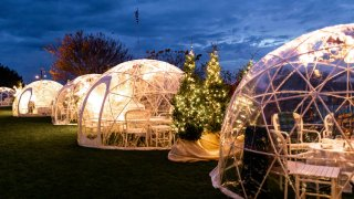 outdoor dining igloos