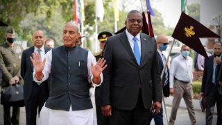 U.S. official visits India