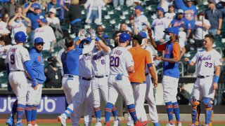 Members of the New York Mets celebrate