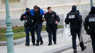 us capitol police officer injured jan 6 2021