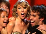 Taylor Swift Makes History at CMAs