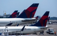 Enraged Passenger Wages Twitter War With Delta Over Lost Bag