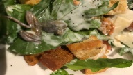 Diner Finds Dead Frog in Salad at LA Restaurant