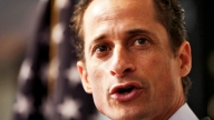 Weiner Resigns Close Up
