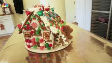 NY Kitchen Teaches How To Decorate a Gingerbread House