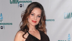"""Kimberly Williams-Paisley Is Causing Trouble in """"Nashville"""""""
