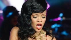 Rihanna Tweets Photo of Chris Brown in Bed