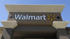 Wal-Mart to Get Help from Santa in Holiday Shopping War