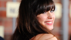 "Zooey Deschanel Reacts To Her 2013 Golden Globe Nomination For ""New Girl"""