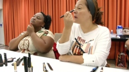 Salon in Brazil Teaches Blind Women How to Apply Makeup